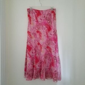 Metro Wear Pink Paisely Skirt